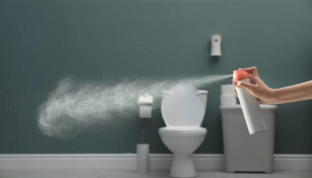 5 πιθανοί λόγοι που μυρίζει άσχημα το μπάνιο σου