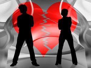 Read more about the article Τα 5 ζώδια που δυσκολεύονται να πουν το «σ'αγαπώ»