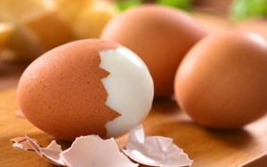 Read more about the article Το κόλπο για να ξεφλουδίσεις βραστό αυγό σε 5 δευτερόλεπτα! Γίνεται; Κι όμως… γίνεται (vid)