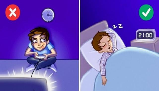 Read more about the article Αυτά είναι τα 12 πράγματα που κάνουμε πριν πάμε για ύπνο και μας παχαίνουν!