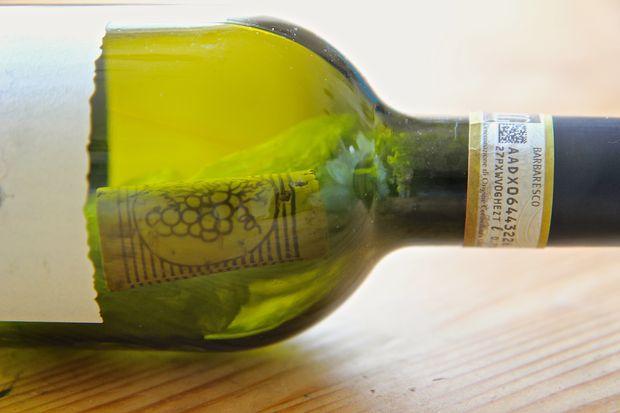 Read more about the article Τι θα πάθεις αν πέσει στάχτη στο ποτό σου και 4 ακόμη ατυχήματα!