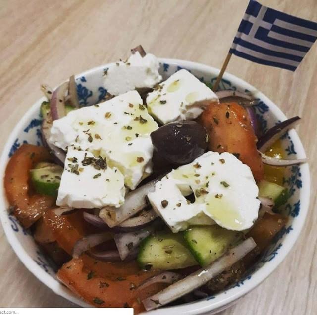 Έλληνας πουλάει 5 ευρώ το πιτόγυρο και βγάζει 1500 ευρώ την ημέρα
