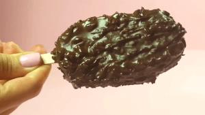 Παγωτό με νουτέλα και φυστικοβούτυρο (video)