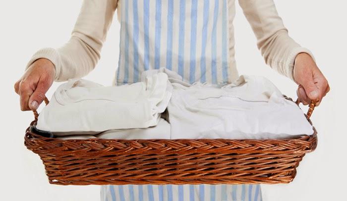Ο απίστευτος τρόπος που φεύγει η κιτρινίλα από τα λευκά ρούχα!