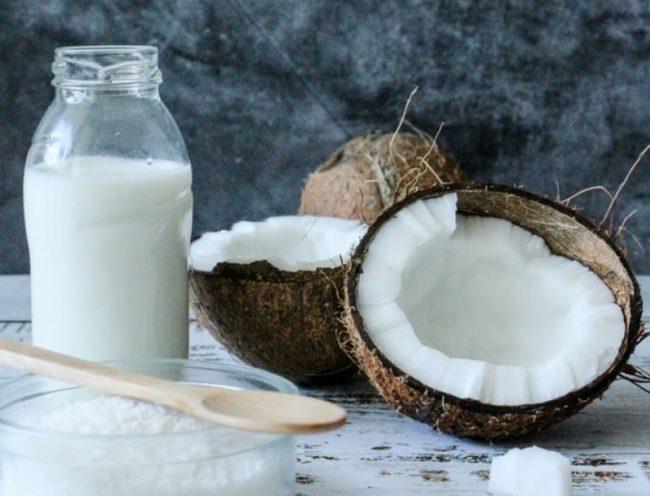 Read more about the article Κάν' το όπως στο Survivor – Χάσε κιλά με τη δίαιτα της καρύδας
