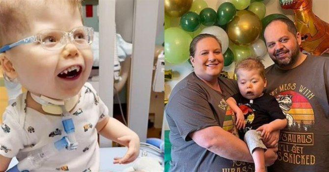 3χρονο αγόρι βλέπει για πρώτη φορά τα πρόσωπα των γονιών του