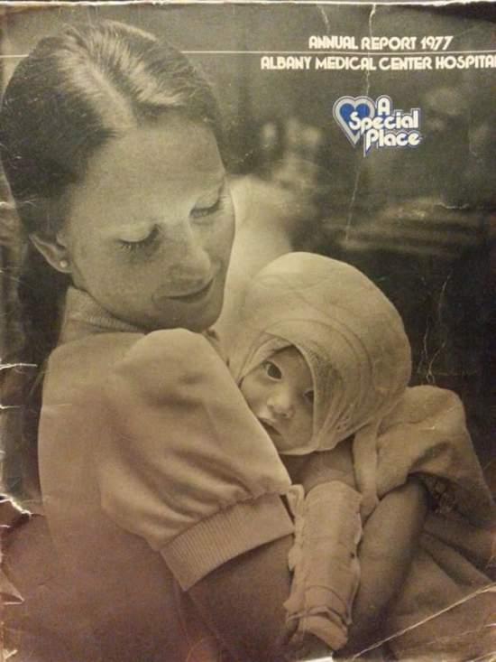 νοσοκόμα κράτησε αυτό το μωρό