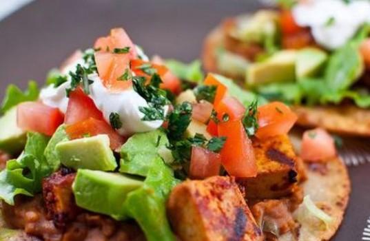 Read more about the article Μπορούν οι δίαιτες vegan να σάς βοηθήσουν να χάσετε βάρος;