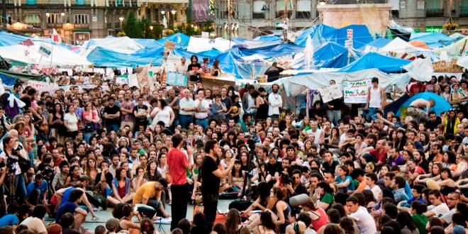 È nato in piazza il nuovo partito delle «acampadas»