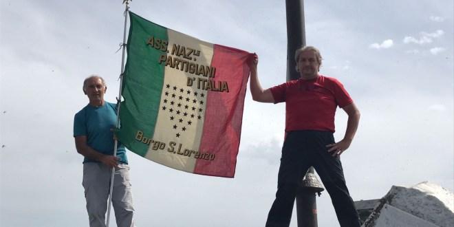 Ancora bandiere fasciste sul monte Brugiana: adesso basta!