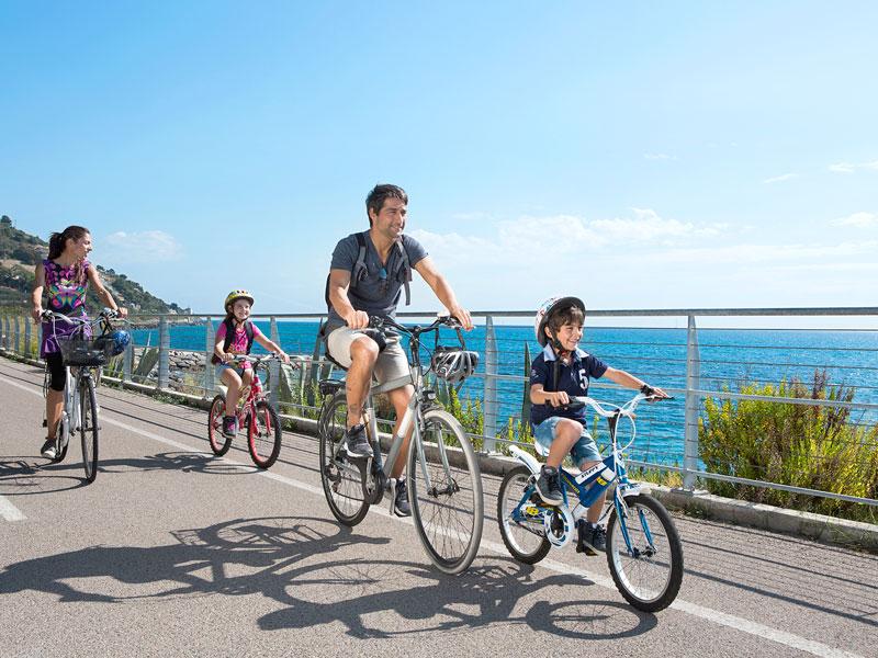Ciclabili d'Italia, belle e facili. I migliori percorsi per pedalare