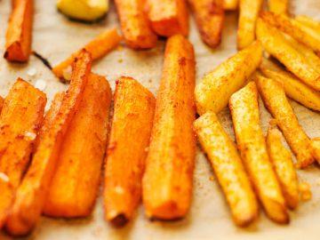 I bastoncini di carote al forno piacciono a tutti