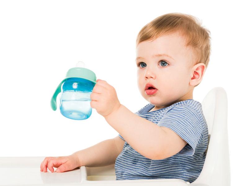 acqua latte artificiale
