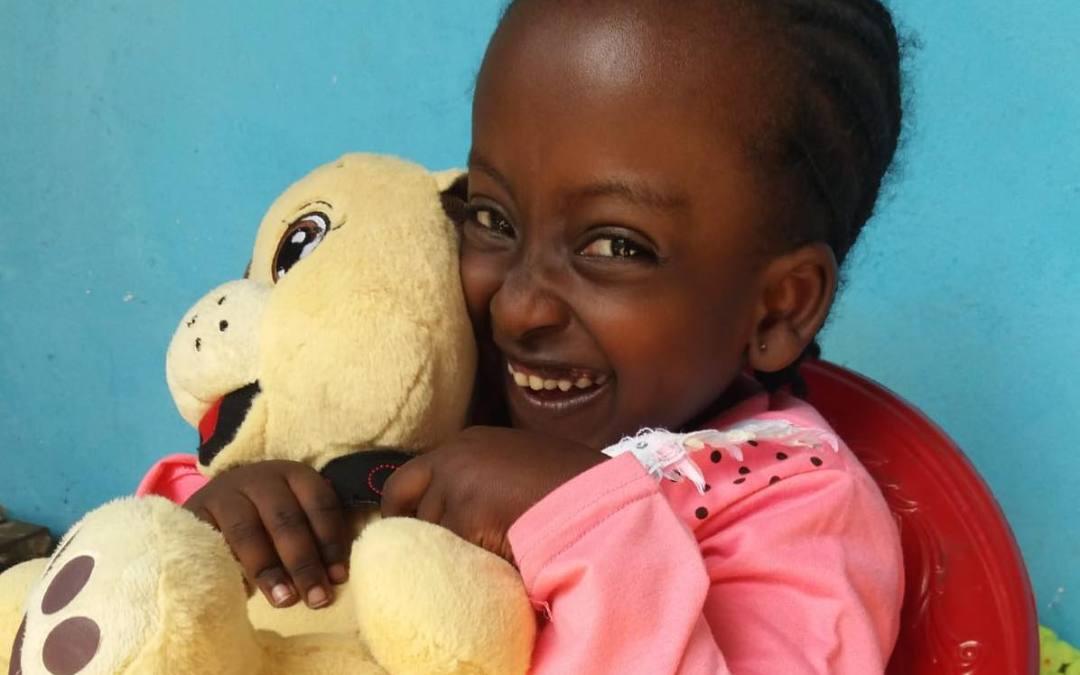 La bambina dagli occhi di stella: un viaggio di speranza dall'Etiopia all'Italia