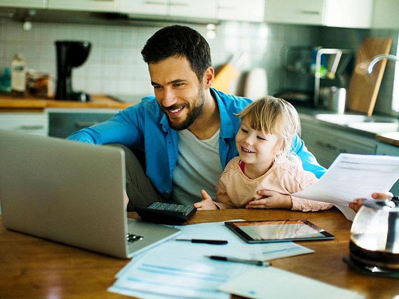 Family Time: non scusarti se i figli entrano in videoconferenza