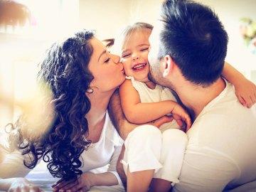 Family act: assegno ai figli e nuovi benefit per famiglie