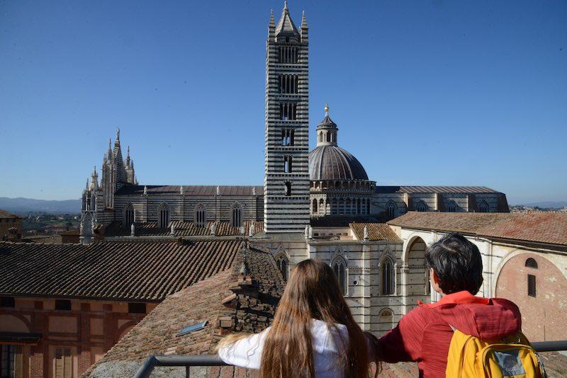 Siena con bambini, a piedi: il trekking medievale
