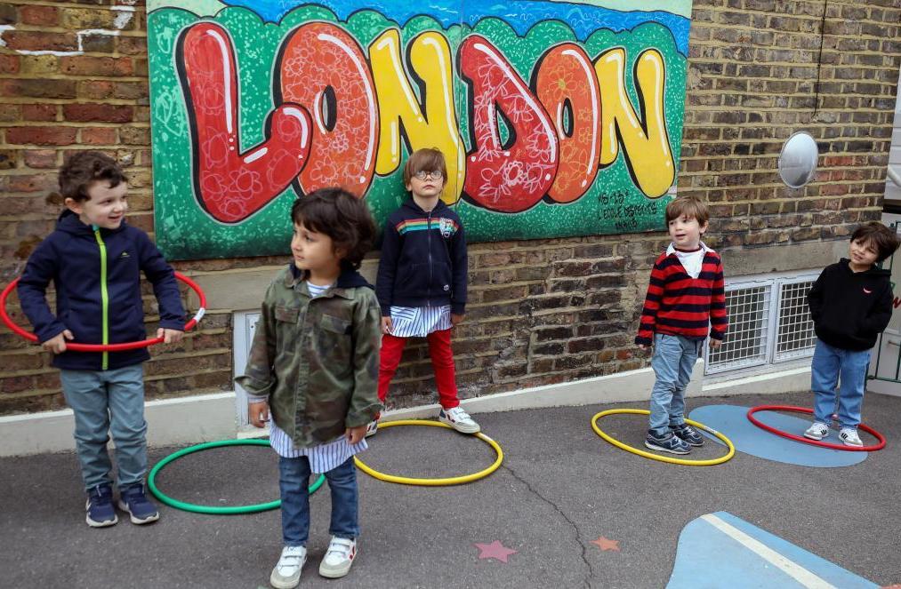 Distanziamento in classe: qualche idea in giro per il mondo