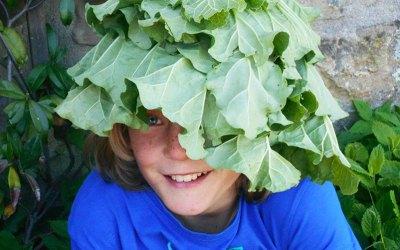 Vivere al ritmo della natura, di unschooling e autoconsumo