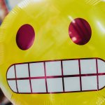palloncino sorridente gonfiabile giallo