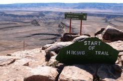 Hier beginnt der mehrtägige Wanderpfad durch den Fish River Canyon, Namibia