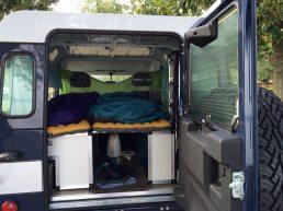 Schlafen im Landy auf Luftmatratzen