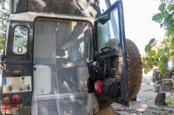 Moskitonetz an der Hecktür unseres Land Rover Defender