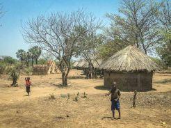 Fröhliche Kinder im Luangwa-Tal
