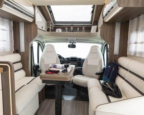 Caravansinternational__Riviera_67_XT___Semintegrale__Camper__25__a1800x900