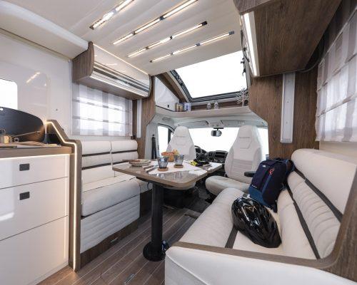 Caravansinternational__Riviera_87_XT__Semintegrale__Camper__10__a1800x900