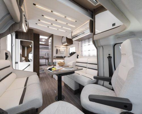 Caravansinternational__Riviera_87_XT__Semintegrale__Camper__31__a1800x900