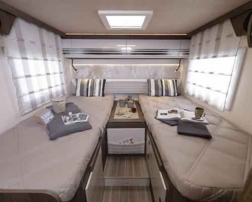 Caravansinternational__Riviera_87_XT__Semintegrale__Camper__45__a900x900