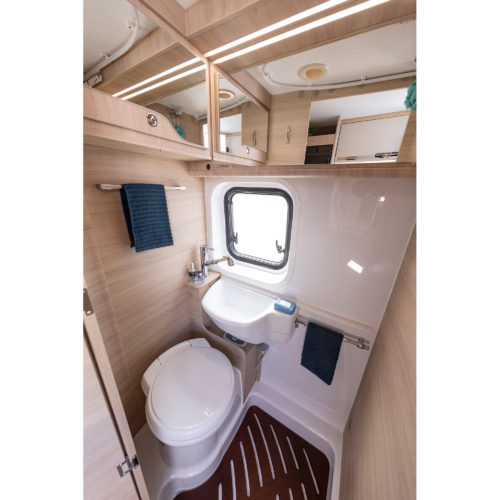 Caravansinternational__Kiros5-__Van-(24)