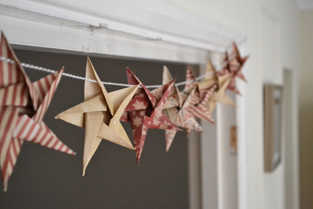 DIY Origami Star Garland Christmas Crafts