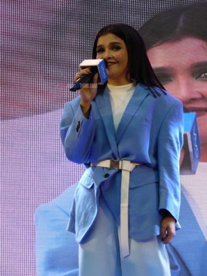 KZ Tandingan Serenades Mall goers at Vivo V9 Mall Tour in Mall Of Asia