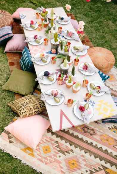 How To Throw the Perfect Memorial Day Weekend Party