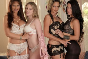Cast of Lesbian Seductions 69