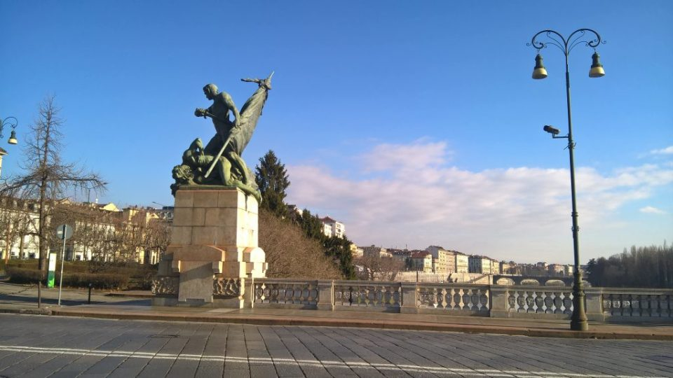 Statues on the Bridge of Vittorio Emmanuele I