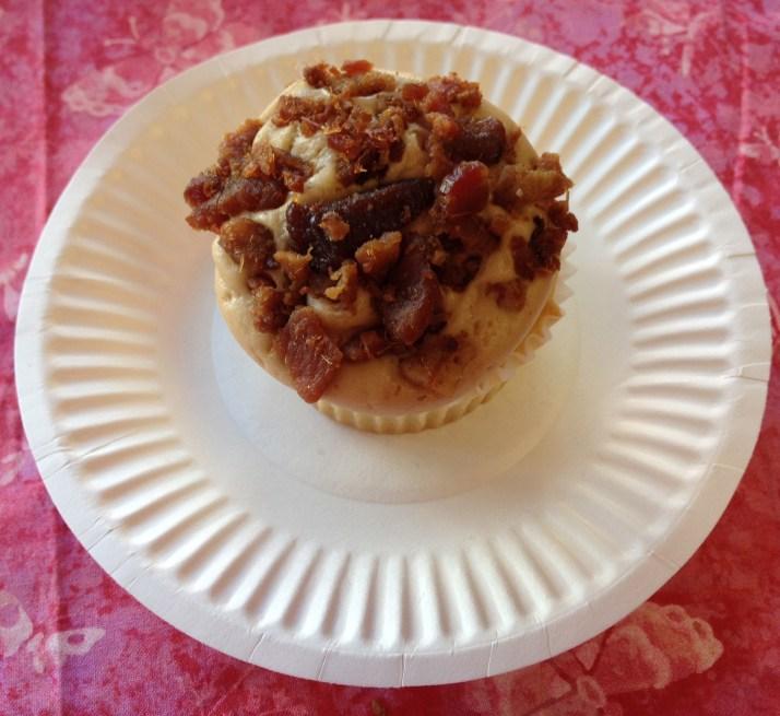 Maple Bacon Cupcake | Girl on the Move Blog