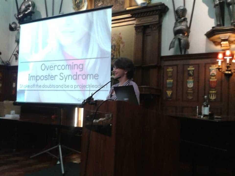 Elizabeth Harrin hablando en EVA 2015