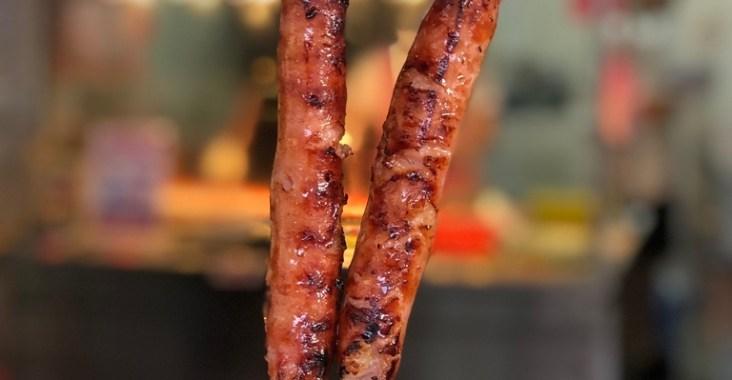 【台北萬華】李家現烤黑豬肉香腸:來萬華必吃這一味,在地台北日常小吃 /龍山寺美食 @女子的休假計劃