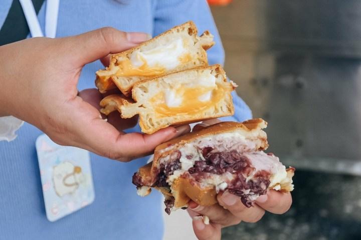 【土城美食】寶寶紅豆餅:客製化銅板美食車輪餅,飽滿爆漿多餡料紅豆餅。 @女子的休假計劃