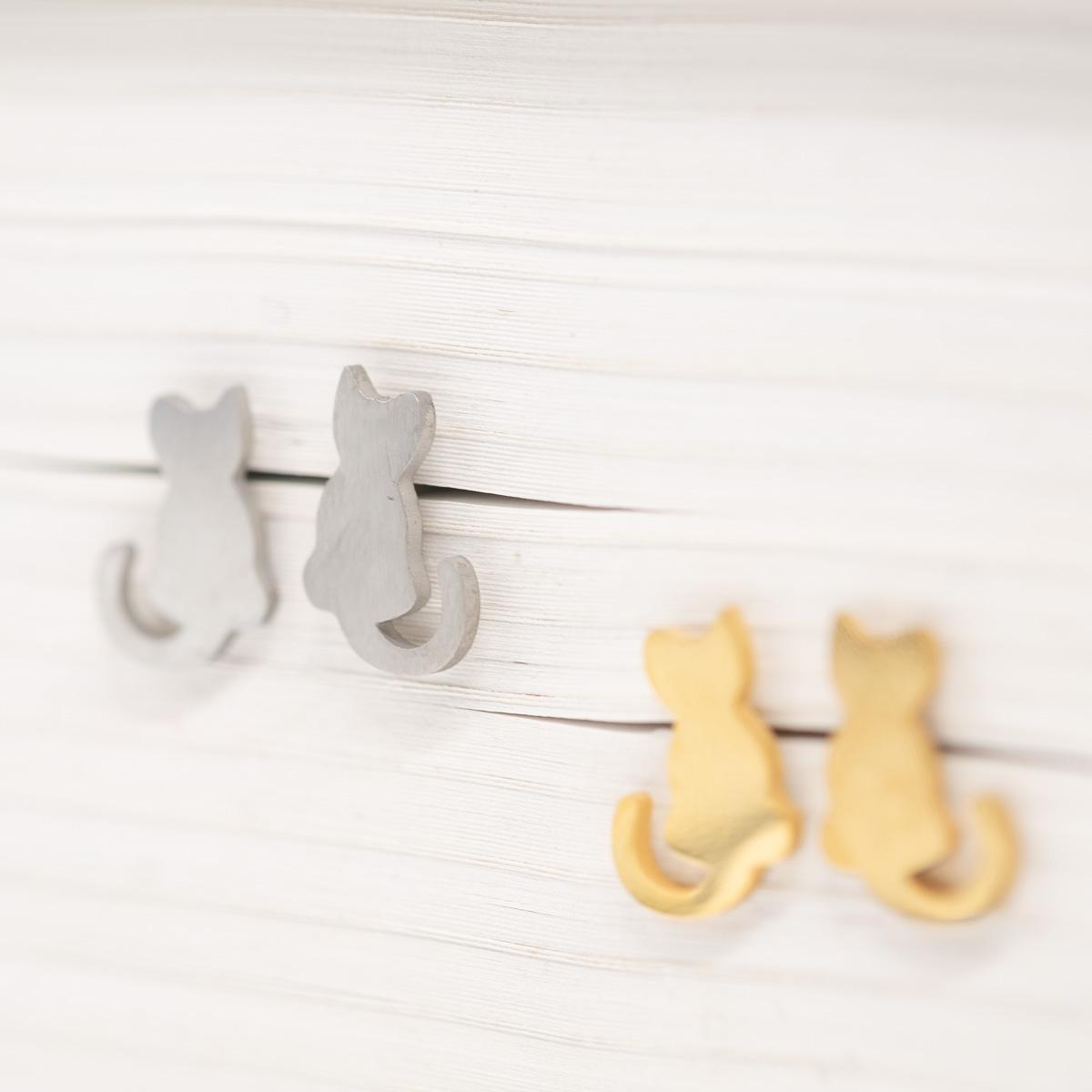 ORS-020 katje oorstekers goud zilver