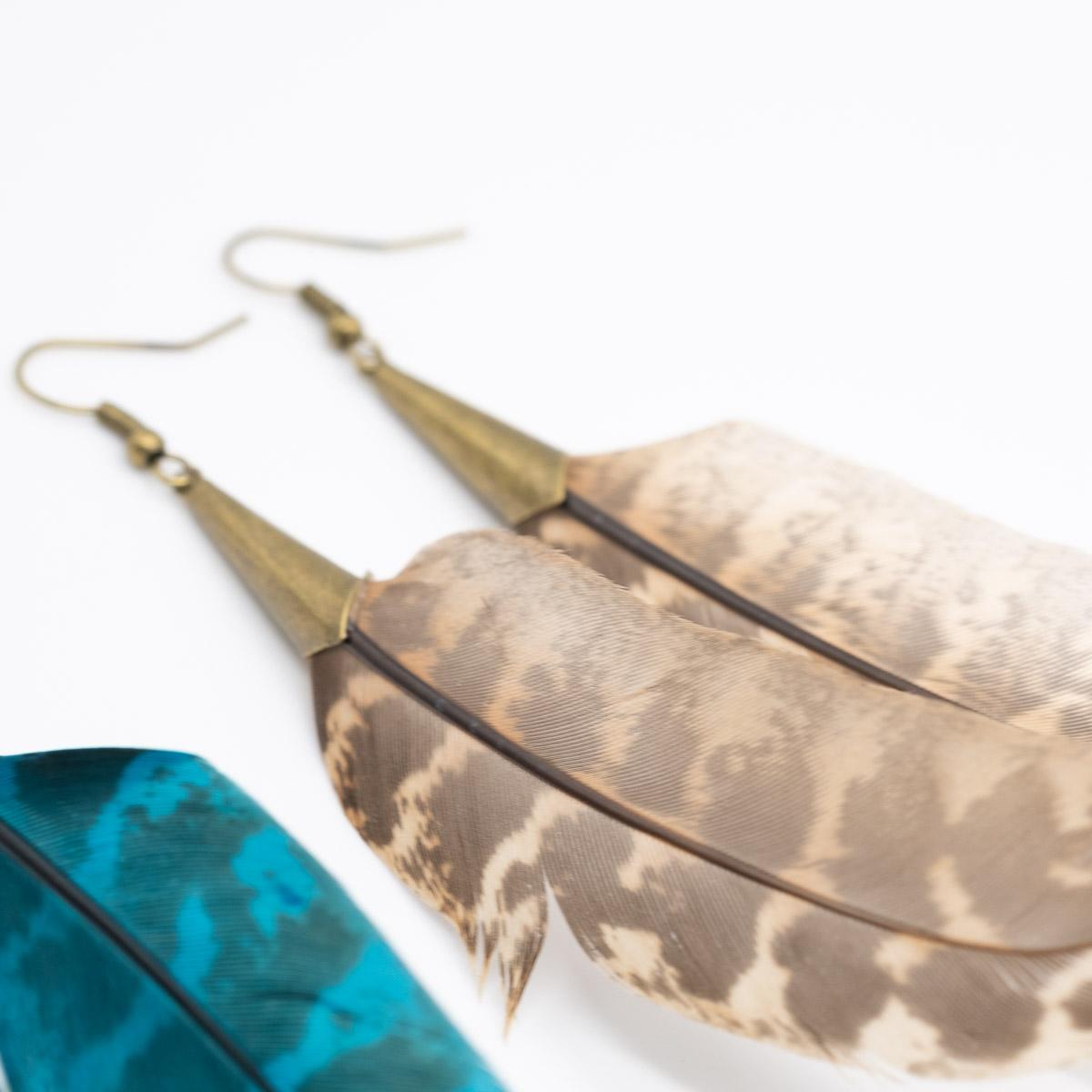 ORB-043 natuurlijke veer oorbellen kopen