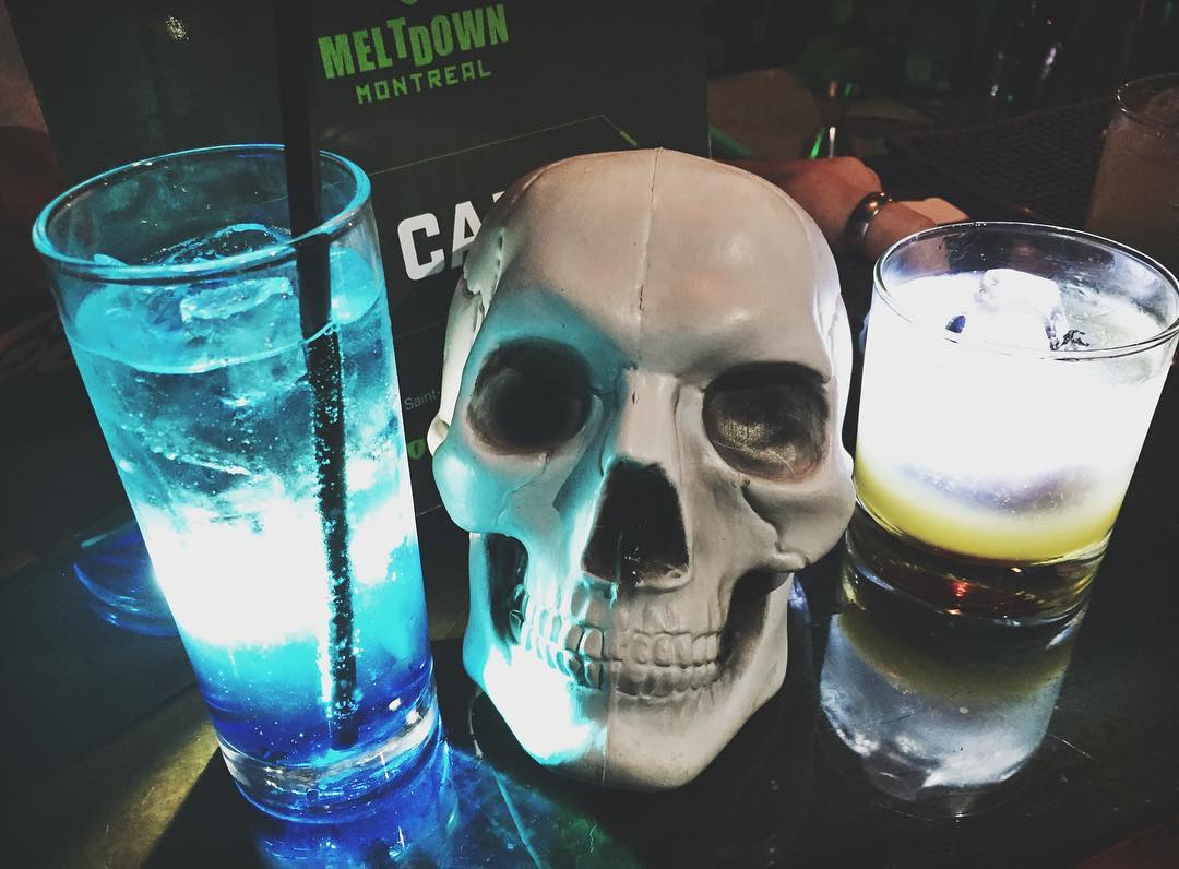 Drinks at Meltdown Esports Bar (photo by Leah Jewer / Girls on Games)