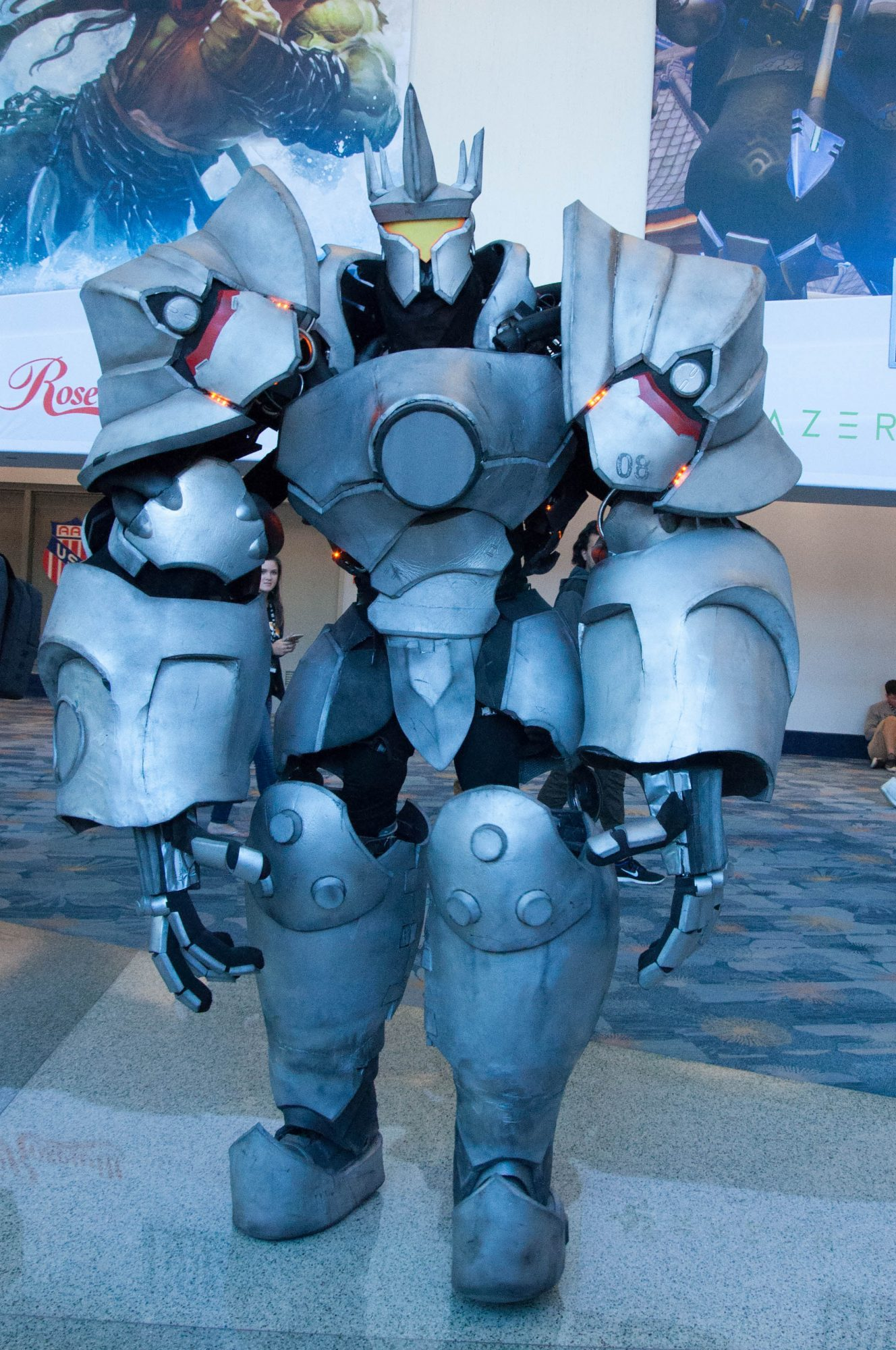 PHOTOS Blizzcon 2016 Cosplays Amp Statues Girls On Games