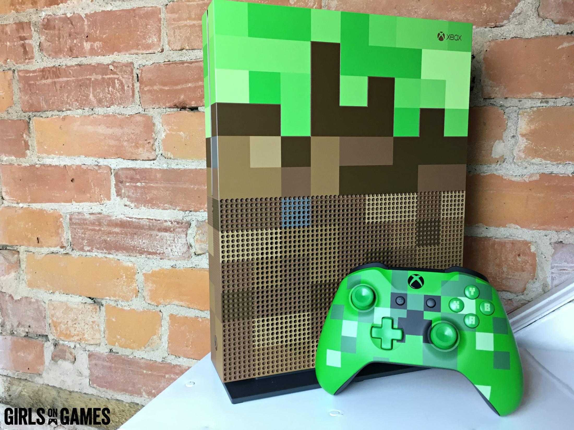 Digging up the limited edition minecraft xbox one s for Mine craft for xbox