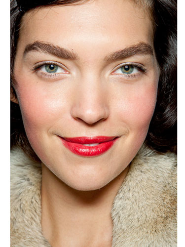5 Stylish Beauty Looks to Try for Christmas 3