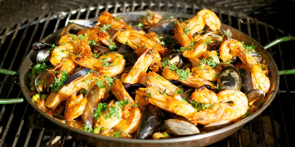 foods for healthy skin - Paella de Marisco - Spanish seafood paella