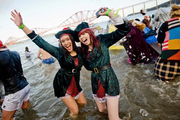 Edinburgh's Hogmanay 2013 - The Loony Dook Tartan Girls II - credit Chris Watt